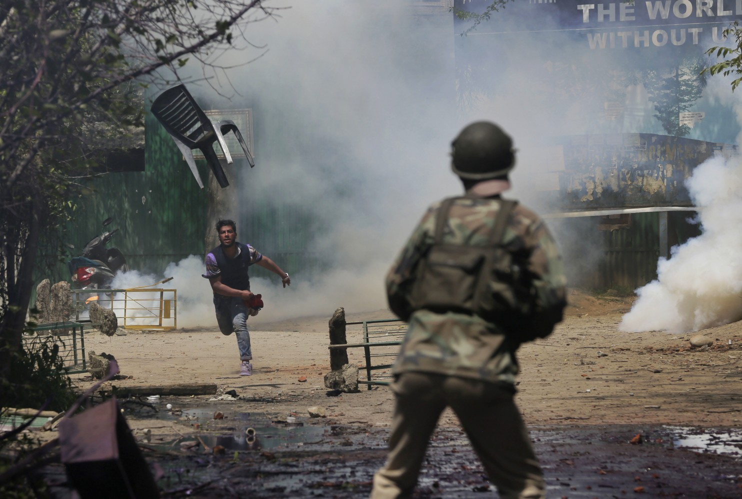 APTOPIX_India_Kashmir_Student_Protests_61732.jpg-87cab