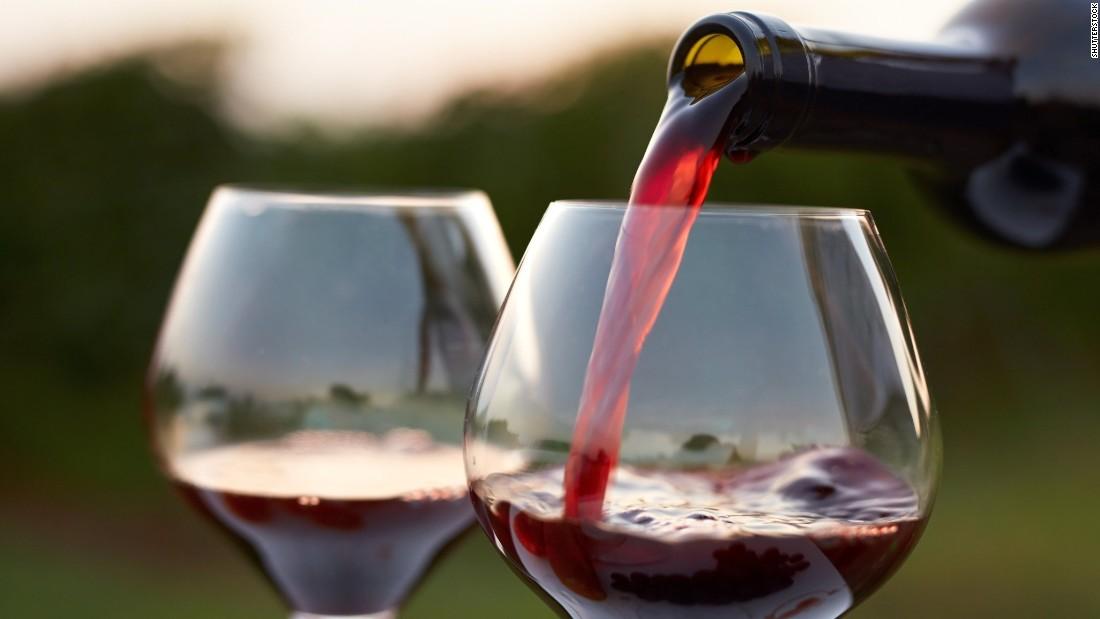 170330163611-wine-glasses-stock-super-tease